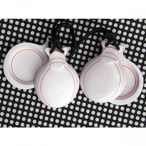 https://www.flamencista.com/Castanuelas del Sur Model Capricho Veteado White-Red with peak