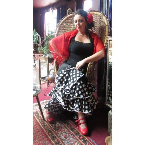 https://www.flamencista.com/Flamenco Performance Skirt Model TRIANA K